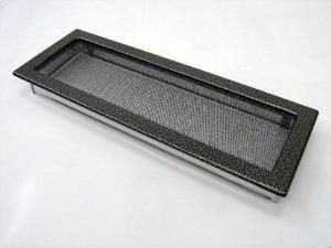 Вентиляционная решетка Kratki 17x49 Черная/хром пористая